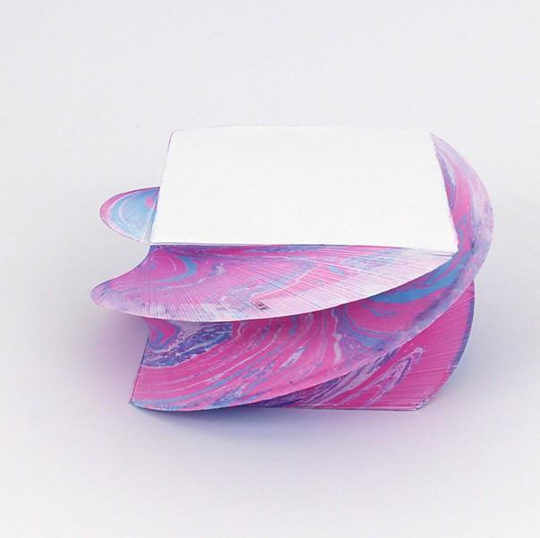 Notizblock_marmoriert_gedreht_Pink-blau