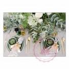 Gedeckter Tisch mit viel Grün